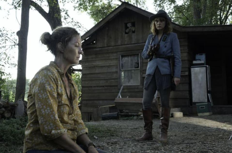 June and Virginia after John Dorie dies in Fear The Walking Dead