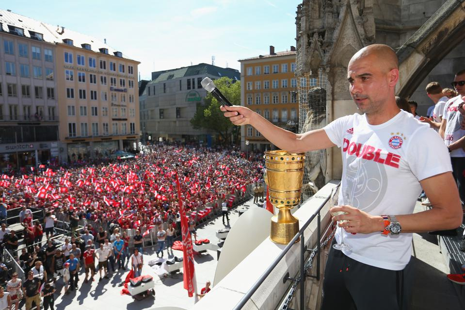Bayern München feiert den DFB-Pokal 2016