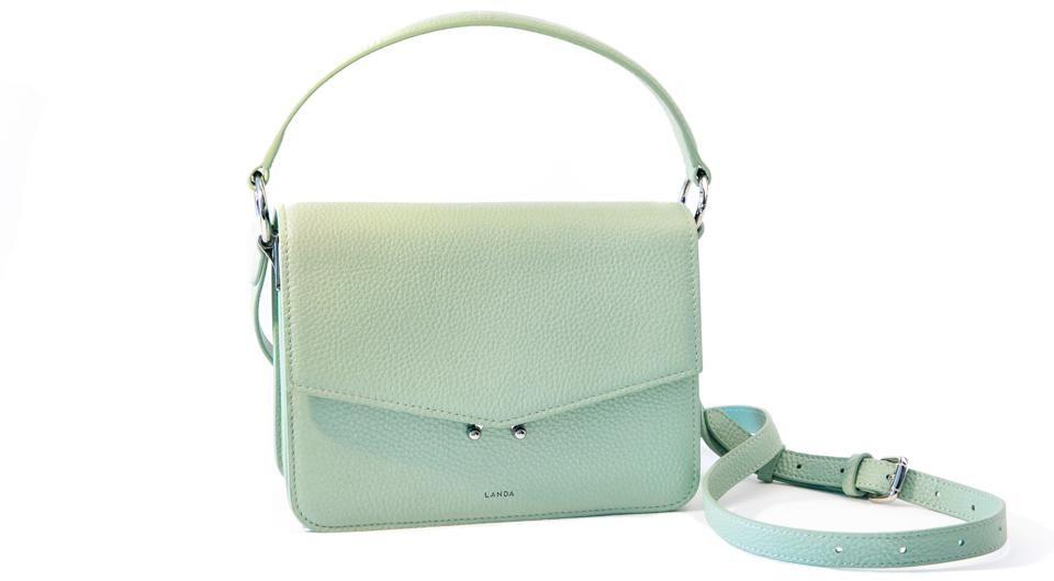 LANDA's Teca bag, the ultimate chic and functional bag.
