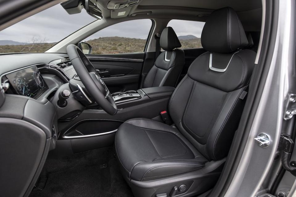 2022 Hyundai Tucson Front Seats
