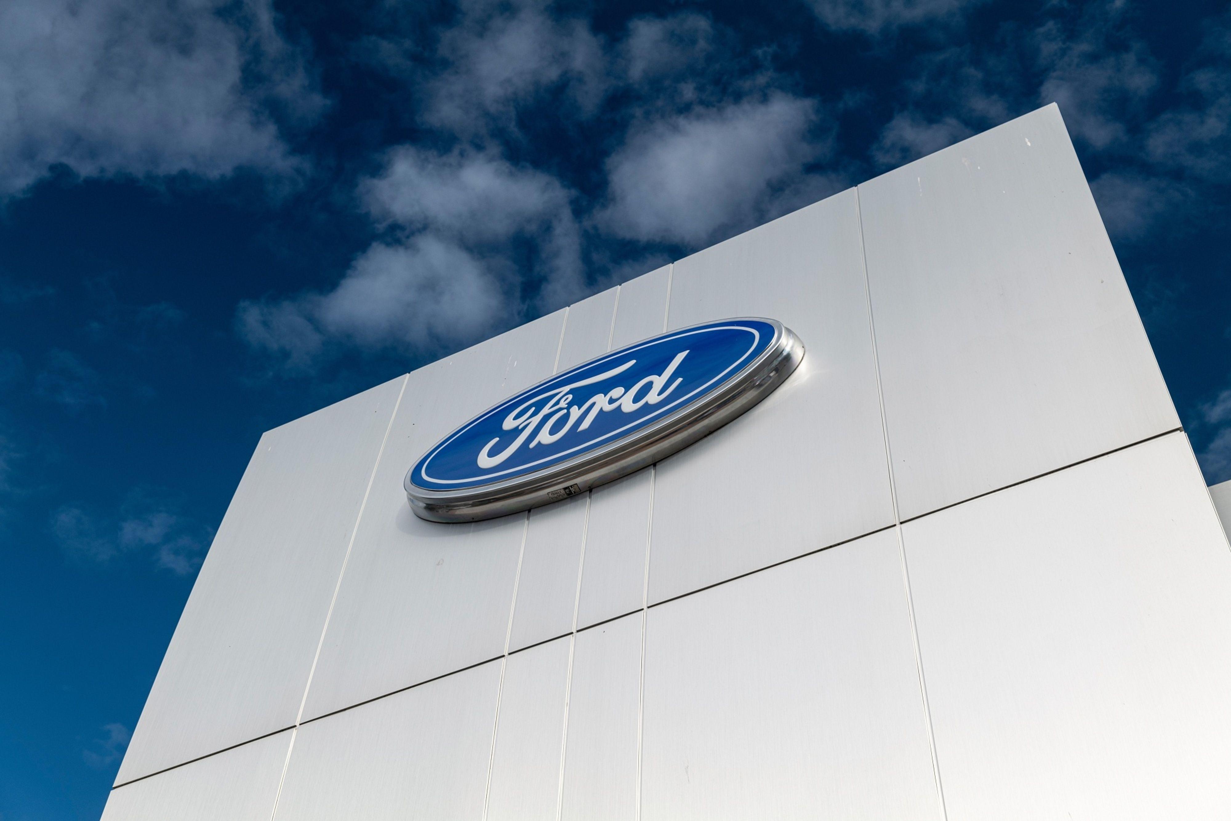 A Ford Motor Dealership Ahead Of Earnings Figures