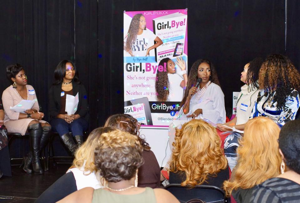 Naja Hall and group of women.