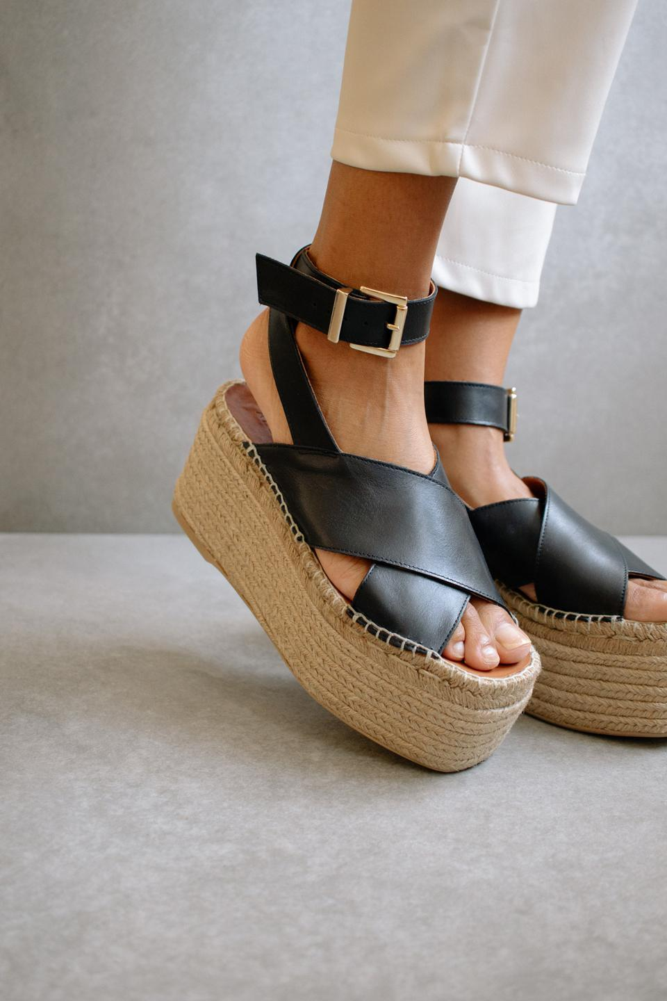 Willow Black sandal, by Alohas.