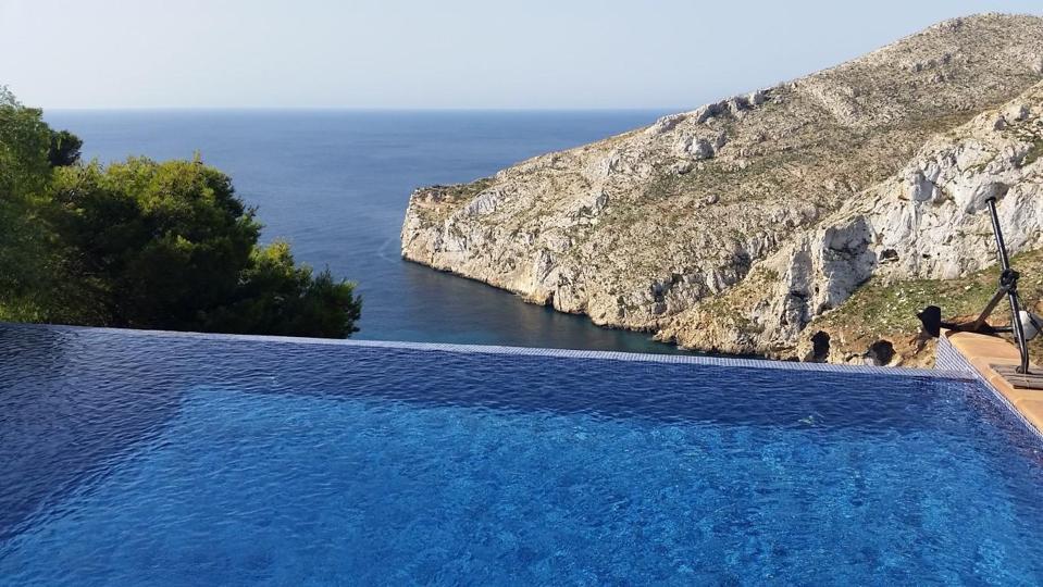 swimming pool luxury home in javea spain