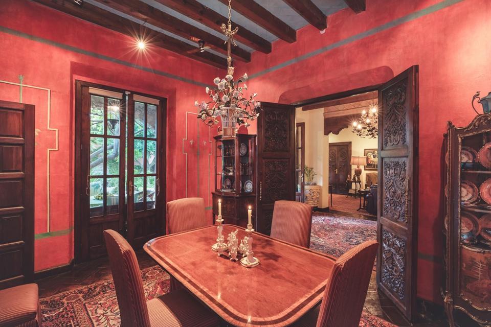 dining room inside Diez de Sollano y Dávalos 71, Centro. San Miguel de Allende