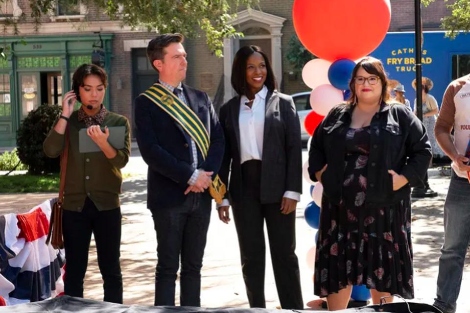 Jesse Leigh, Ed Helms, Dana L. Wilson, and Jana Schmieding in ″Rutherford Falls.″