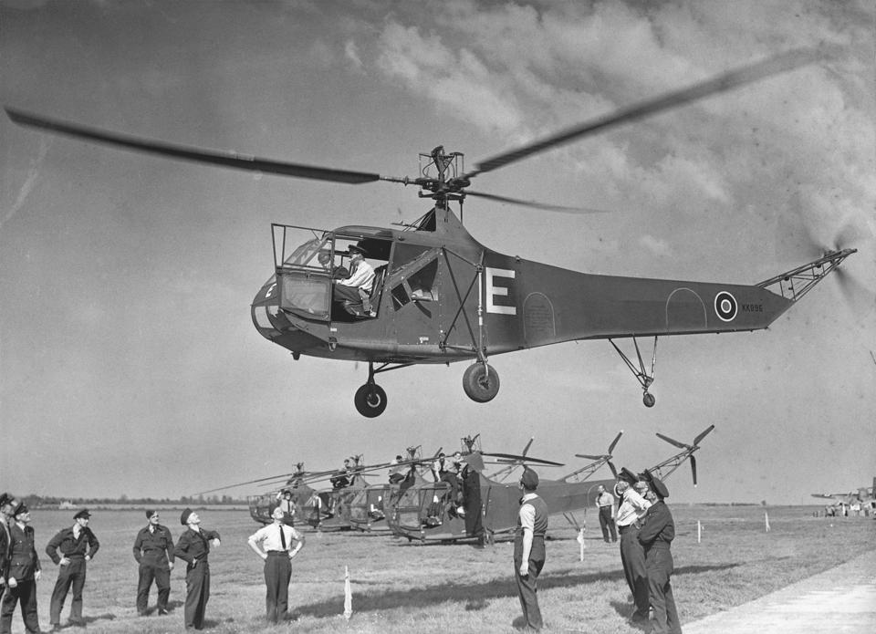 Demonstrating the Sikorsky R-4B Helicopter
