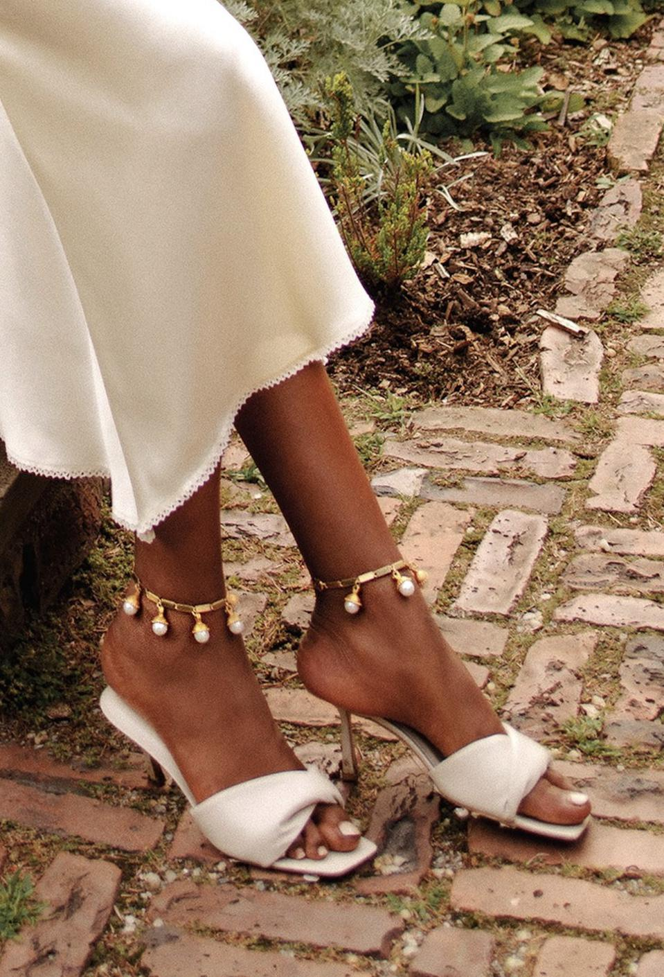 Olympia Pearl Gold Droplet Anklet