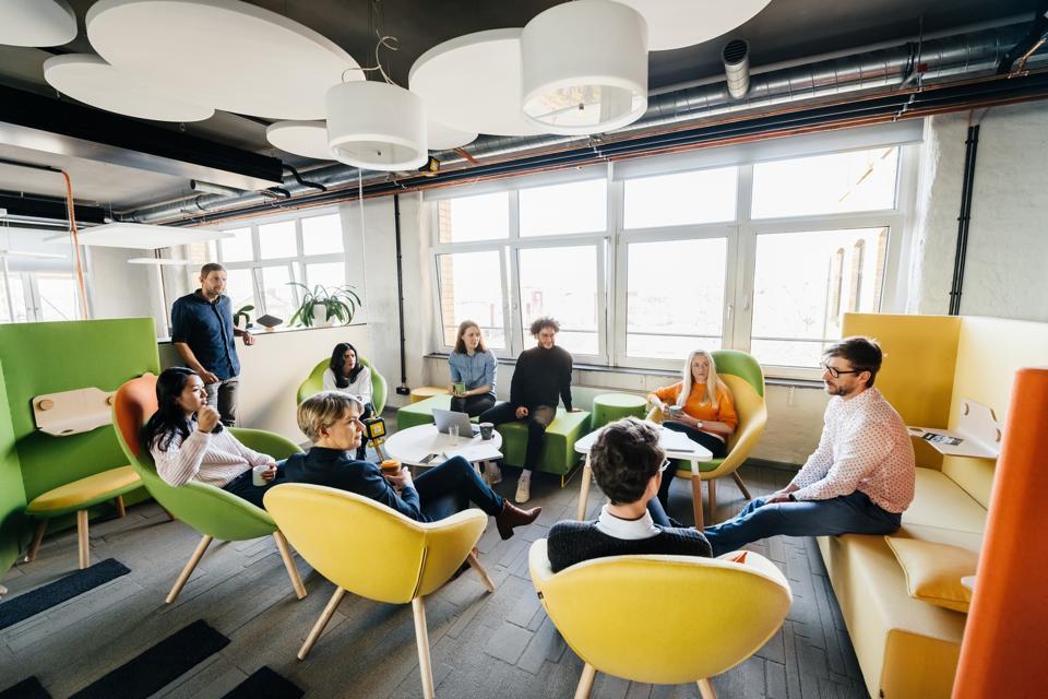Seminar Between Team In Modern Office