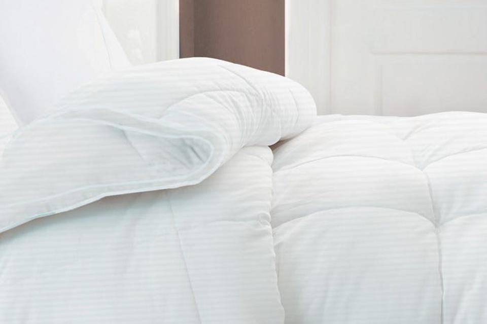Riley White Goose Down Comforter (all-season; full/queen)