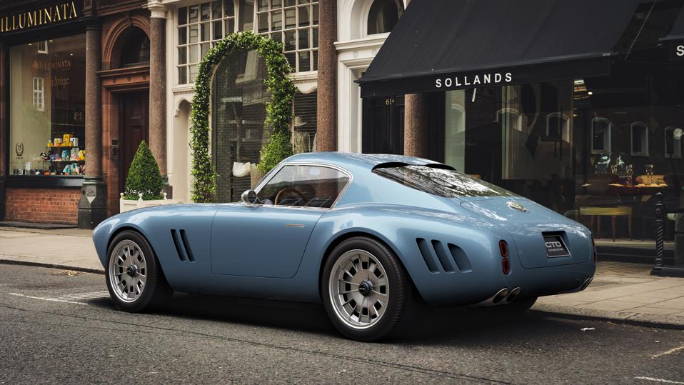 Rear three-quarter view of the Squalo by GTO Engineering