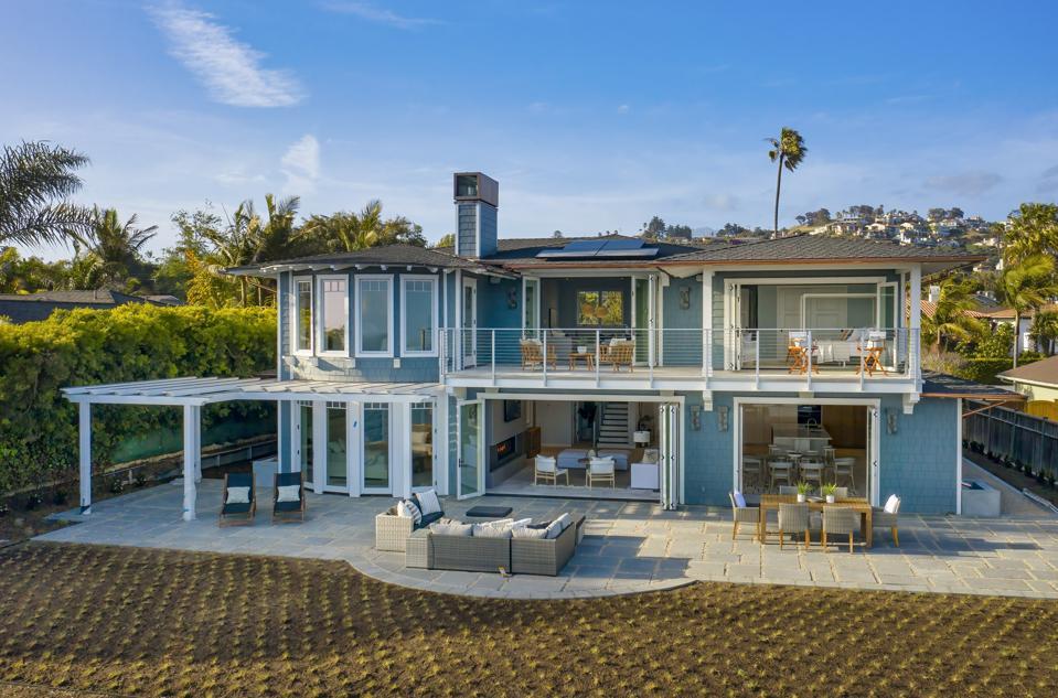 exterior patio backyard at 1631 Shoreline Dr, Santa Barbara, CA 93109