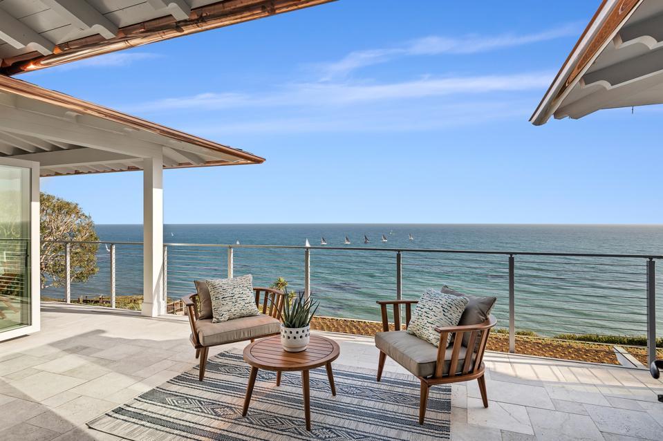 outdoor terrace at newly built home 1631 Shoreline Dr, Santa Barbara, CA 93109