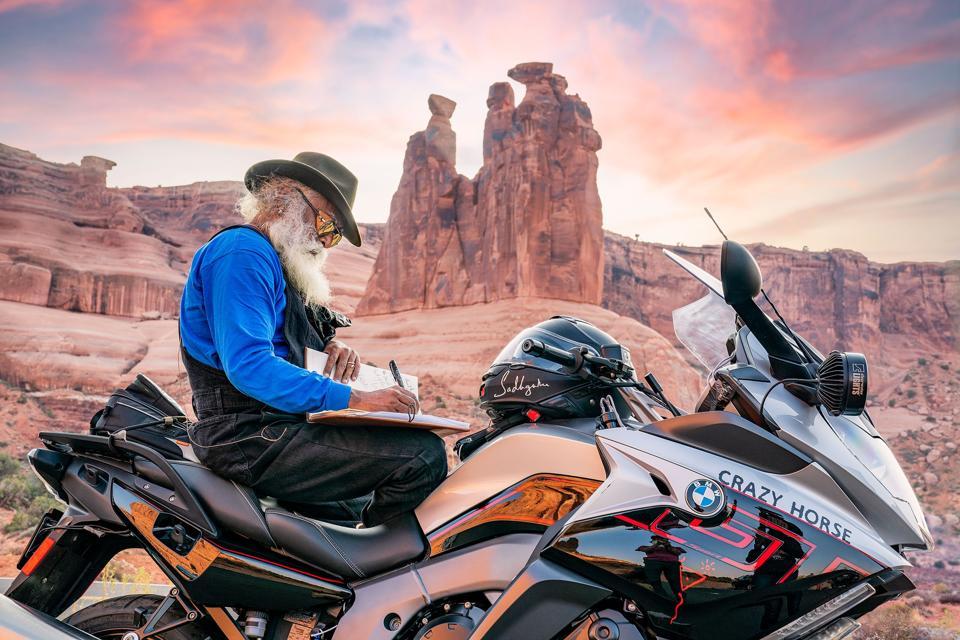 Sadhguru on the road in Arizona