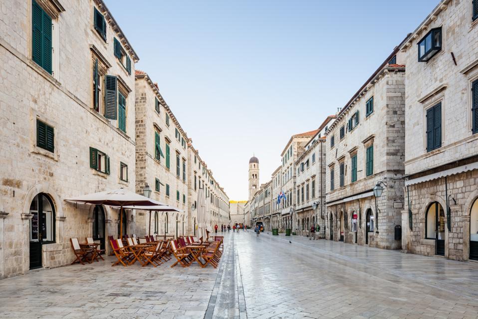 Stradun street, Dubrovnik (dawn)