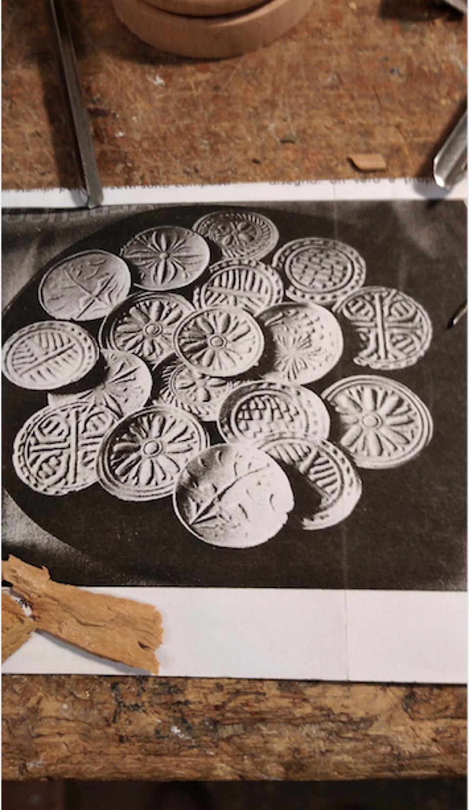 A sample of the corzetti molds by Franco Casoni.