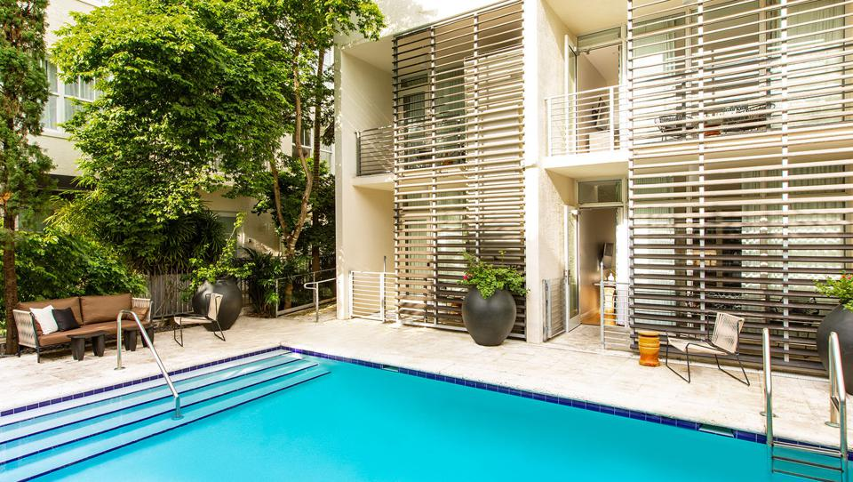 Poolside bungalows will serve as the venue for Miami Escape, in which individual brands occupy the space and guests browse and shop at ease.