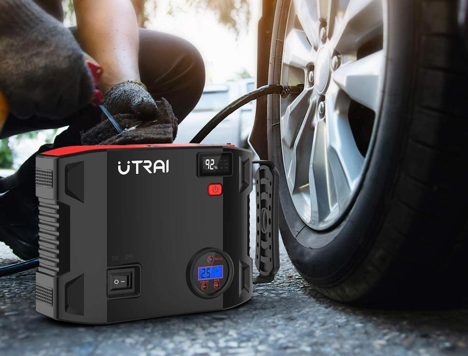 Utrai portable tire pump and flashlight