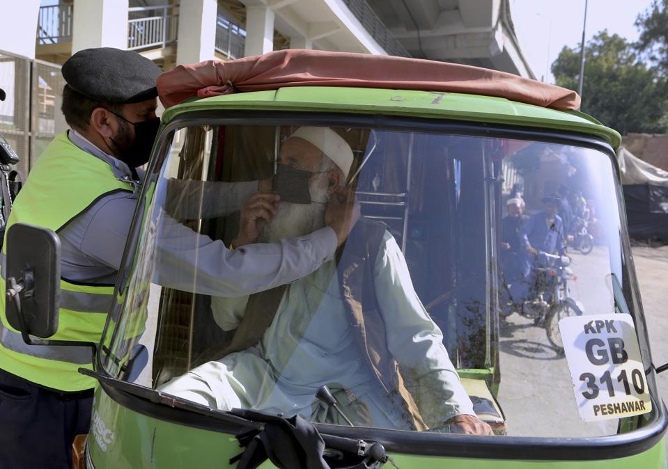 APTOPIX virus outbreak in Pakistan