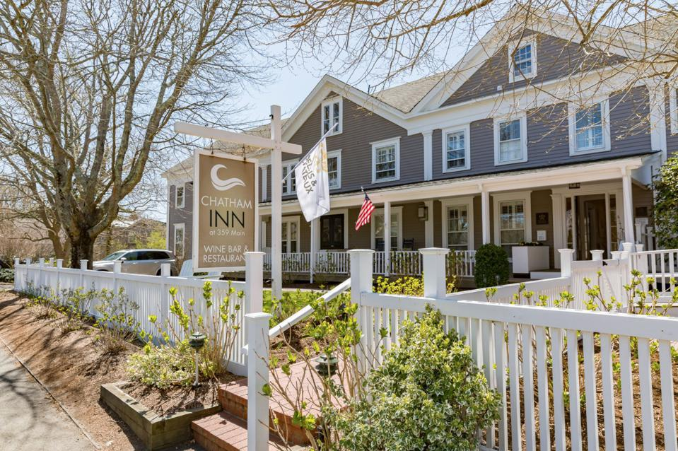 CHATHAM, MA - View of the Chatham Inn on Cape Cod