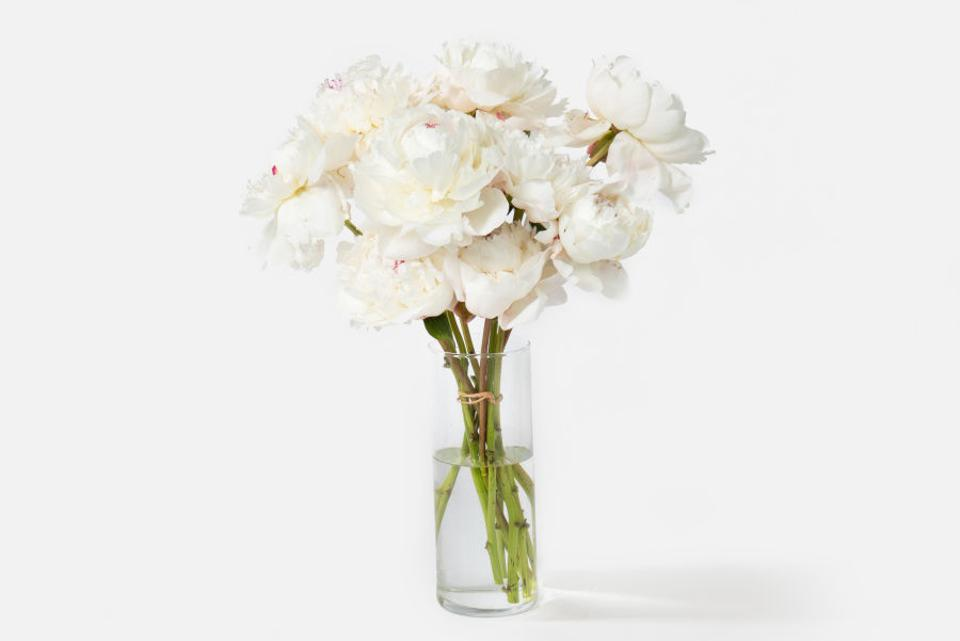 Best Flowers For Mother's Day: UrbanStems The Pearl Bouquet