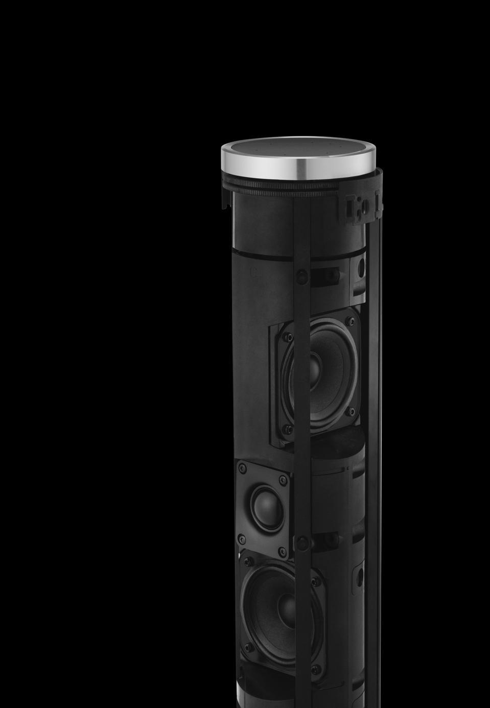 Beoplay 28 con rivestimento sfoderabile su sfondo nero