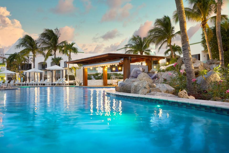 Aruba pool.