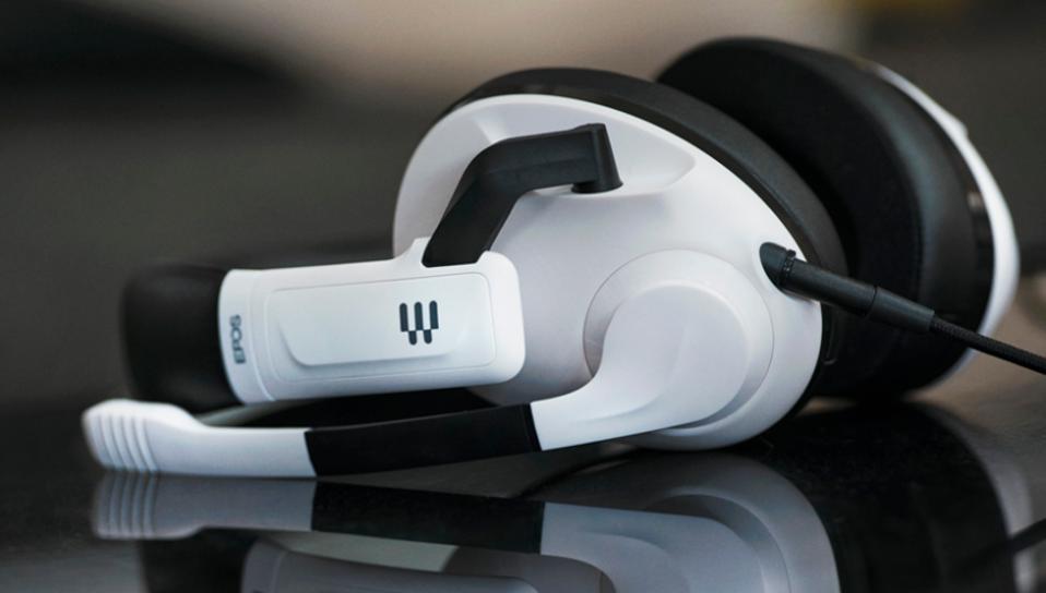 The EPOSH3 wired analogue gaming headset
