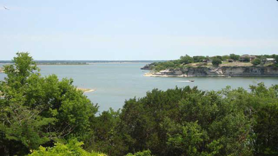 One of many coves along the 225 mile shoreline