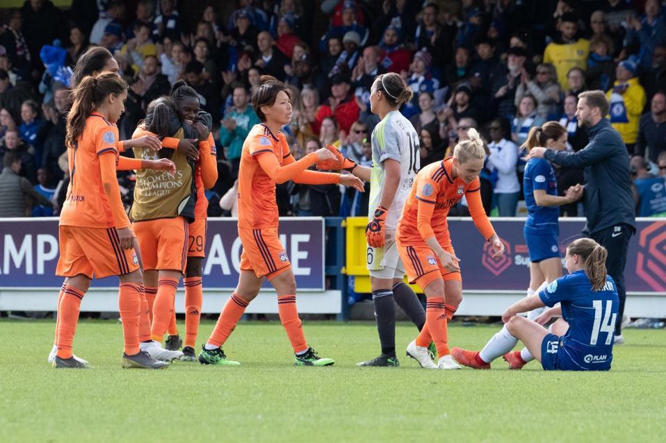 Chelsea Women v Olympique Lyonnais Women - UEFA Women's Champions League: Semi Final Second Leg