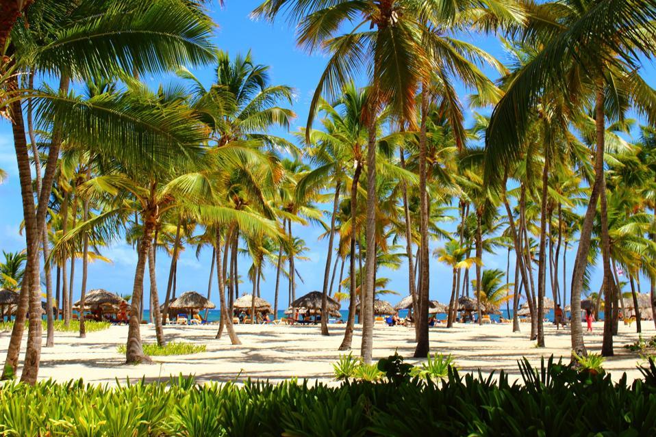 Roatan, Honduras quit your job live abroad cheap places to visit
