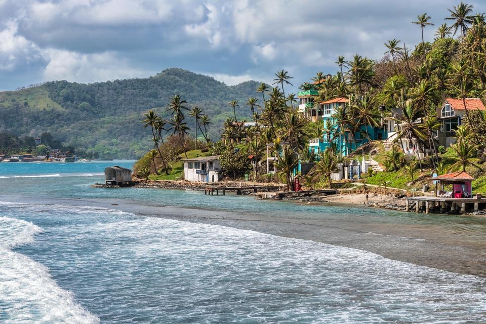 Isla Colon Panama, Caribbean retire early live abroad quit your job