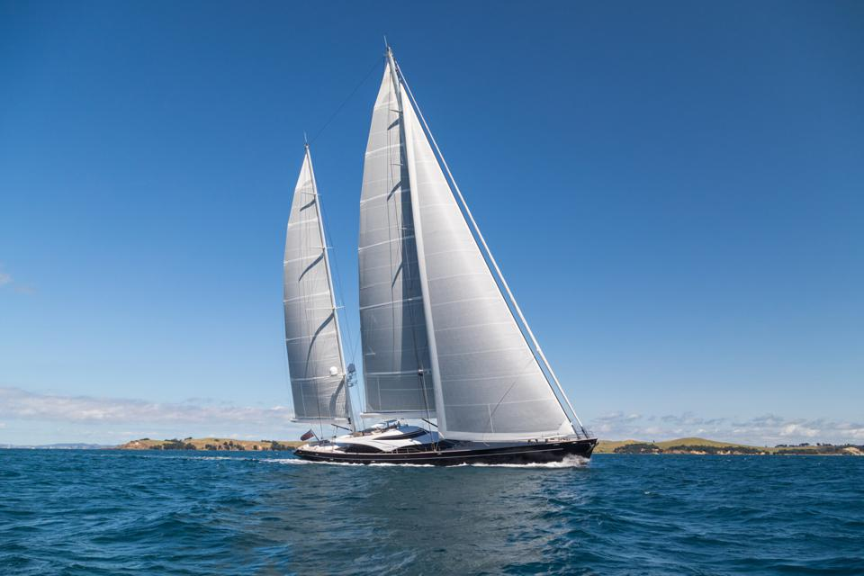 Twizzle at sea with sails up