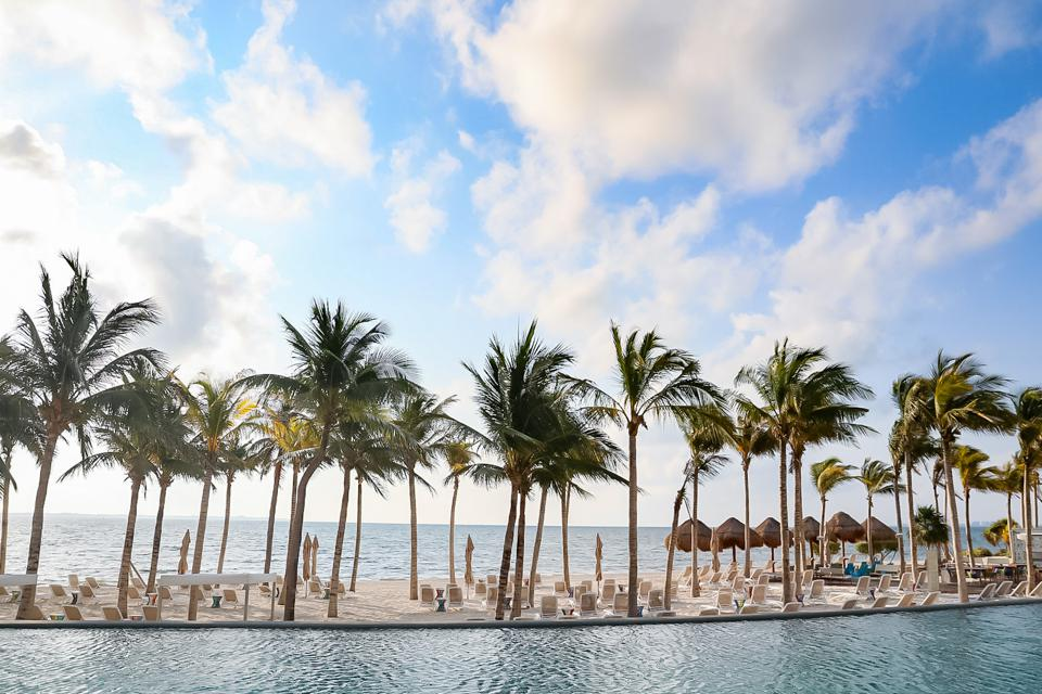 CANCUN, MEXICO - View of the Garza Blanca Spa & Resort'S beach from the main pool