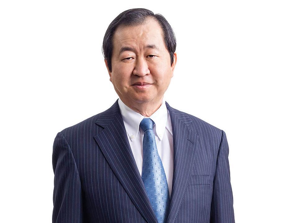 Photo image of value investor Francis Chou