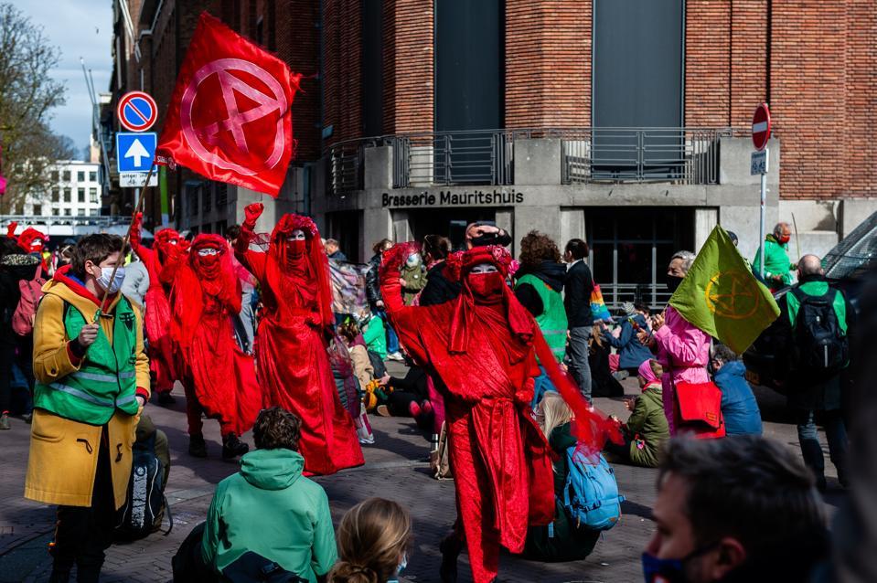 Extinction Rebellion Organizes A Massive Disruptive Action In The Hague