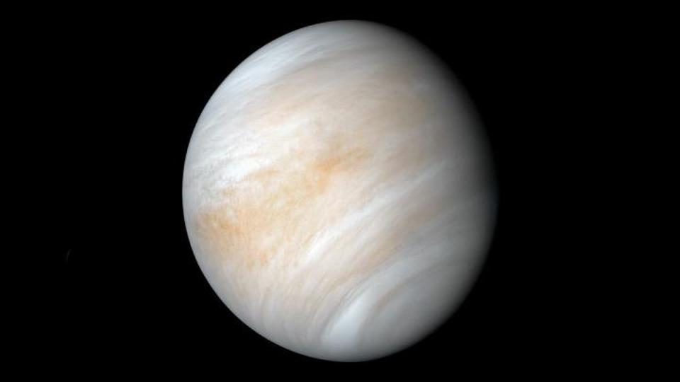 Venus is returning to the post-sunset night sky as a brilliant ″Evening Star″ this week.