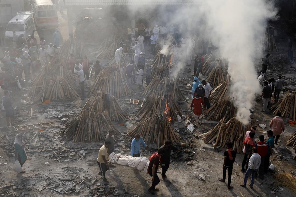 India's daily COVID-19 cases climb to new world record