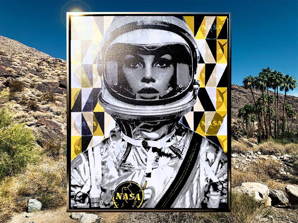 ″ SpaceWoman in Yellow ″ - art récent de Richard Prescott de la Mod City Gallery.