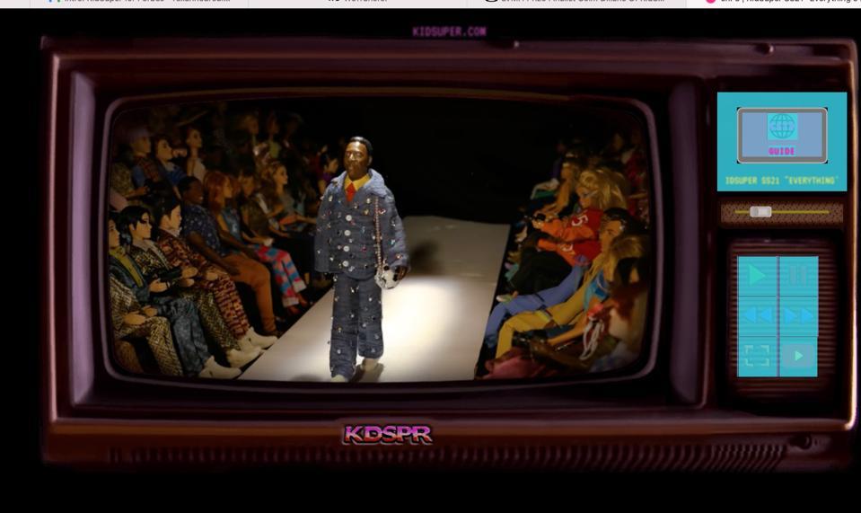 Pele as a Barbie doll modelant des vêtements de la collection ″ Everything is Fake Until its Real ″ pour KidSuper