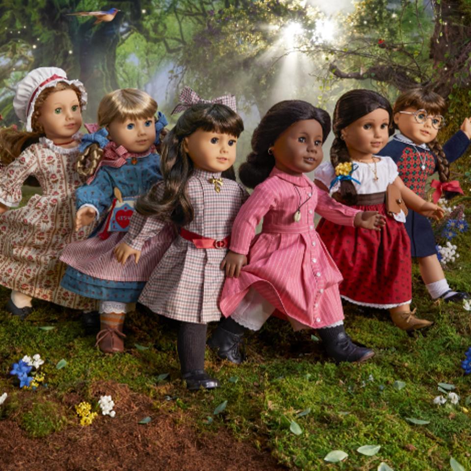 Samantha Parkington ™, Kirsten Larson ™, Molly McIntire ™, Felicity Merriman ™, Addy Walker ™ and Josefina Montoya ™ American Girl Dolls