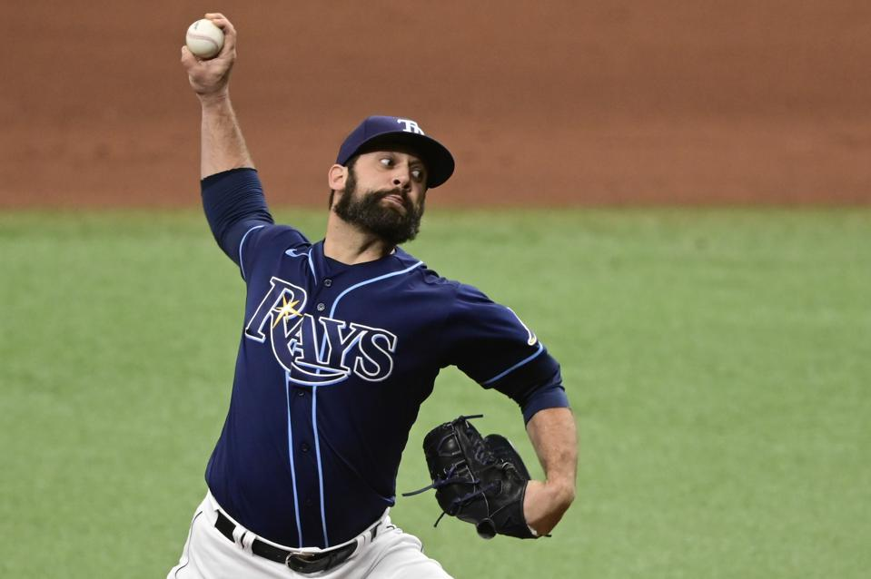 Andrew Kittredge pitches for the Rays against Oakland in April 2021.