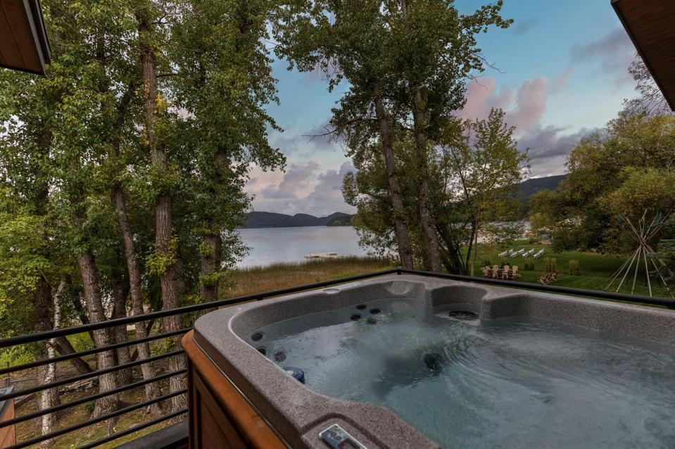 spa balcony modern montana condo 1340 Wisconsin Avenue, Suite 201 Whitefish, MT, USA