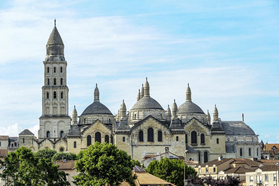 Cathédrale catholique romaine de Perigucci dans la région de Périgart en France.