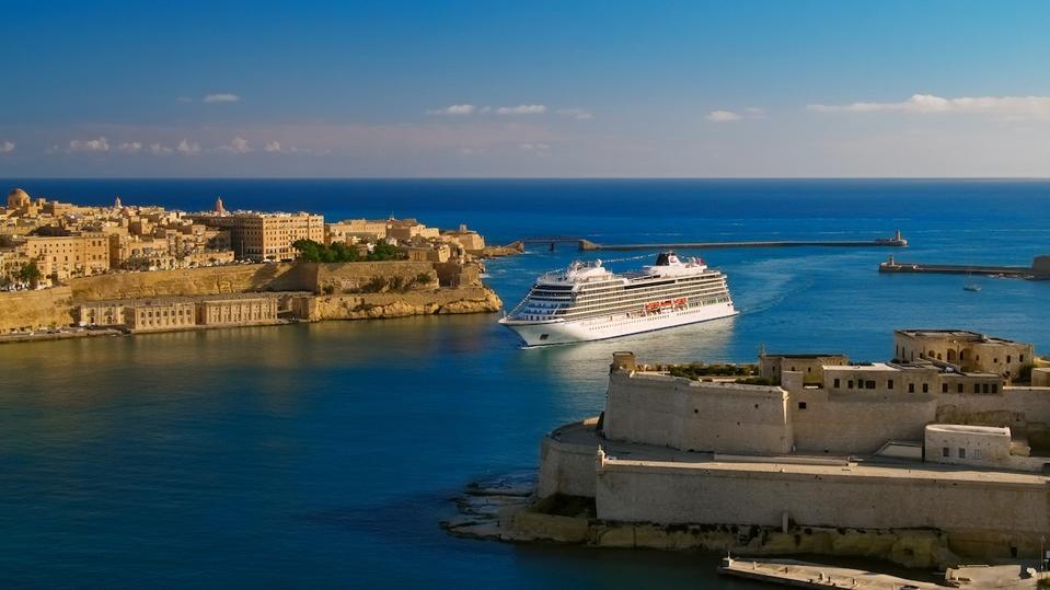 Viking Venus at the harbor in Valletta