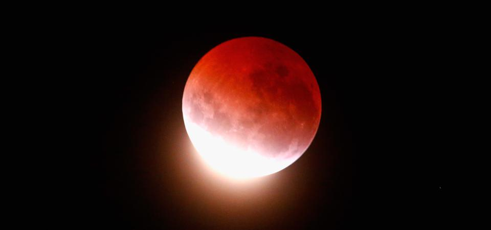 A blood red full 'supermoon' full moon – a total lunar eclipse – is coming to North America on May 26, 2021.