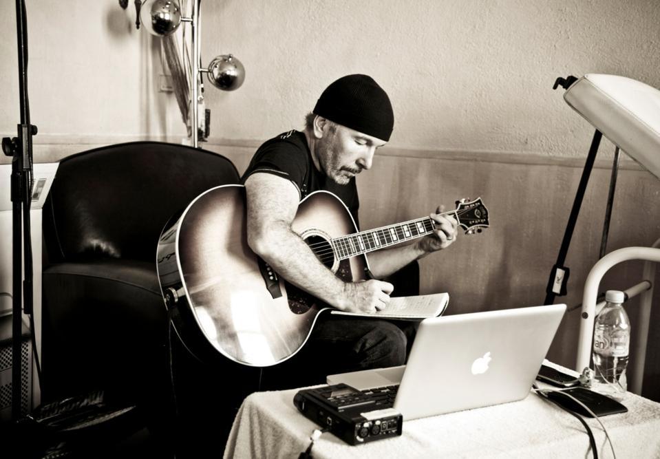 The Edge, U2, guitar,
