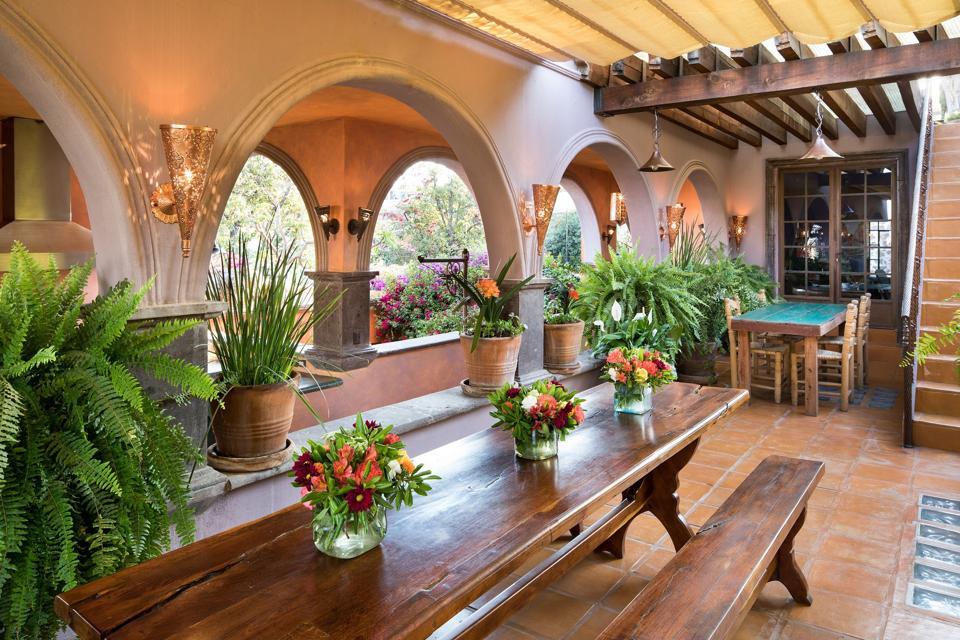 covered patios casa tres cervezas Chiquitos 2, San Miguel de Allende, Guanajuato, Mexico