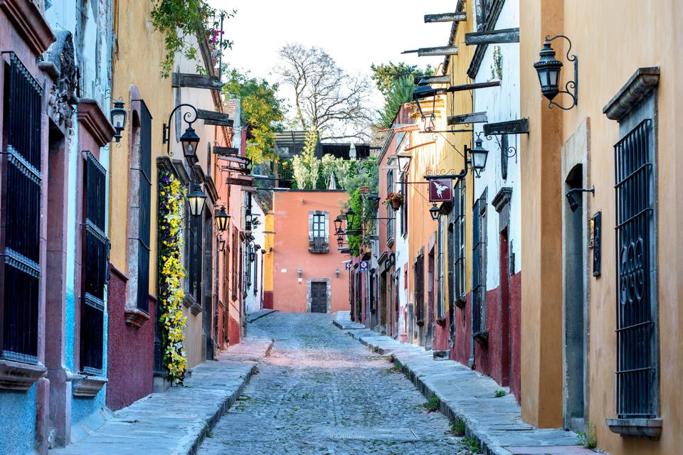 coloful homes street san miguel de allende
