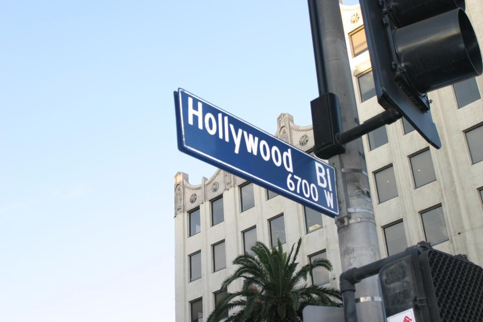 ハリウッドとハイランドの距離標識